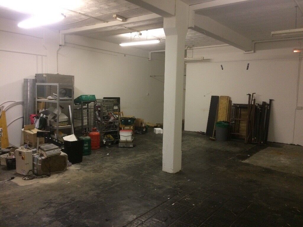 Big warehouse in guarded industrial estate to rent at amazing price