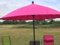 Garden parasol ( nearly brand new)