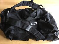 Oakley dry goods collection duffel bag