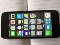 iPhone SE 32GB Fully Unlocked Excellent Condition with Box