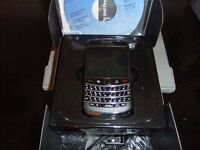 BlackBerry Bold 9700 - Black Smartphone (Keypad - QWERTY)