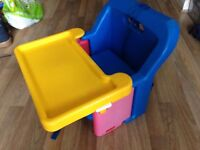 Kids compact booster chair