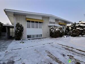 192 000$ - Bungalow à vendre à Chicoutimi Saguenay Saguenay-Lac-Saint-Jean image 1