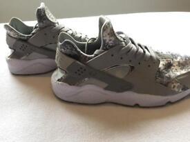 Nike Air Hurrache Camo Grey - size 9.5 UK