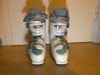 Head womens ski boot. Size 24.5