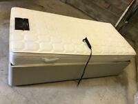 Furmanec Electric Adjustable Bed