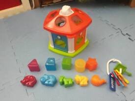 Chicco cottage activity toy shape shorter