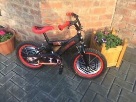 Boy's Star Wars Bike Age 4-6 years In Good Condition