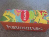 Size 6-7 Havaiana High Fashion in Rose Gold