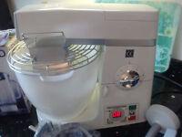 Kenwood Professional Food Mixer with blender and slicer/grater pro