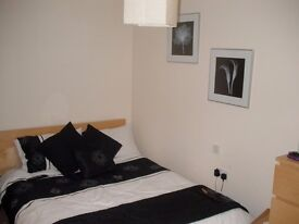 A Nice DOUBLE Room to LET Mid July -Excellent Location 5min-SOUTHGATE TUBE-only £130pw-All Inclusive