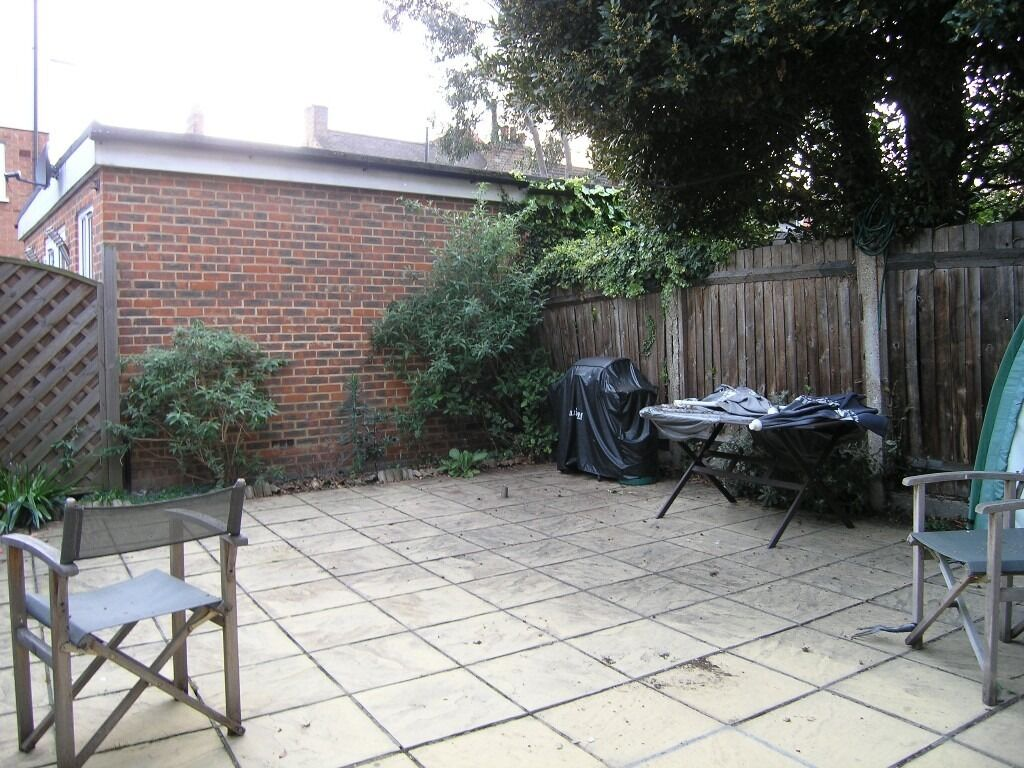 Available Great 2 Bedroom Flat With Spacious Private Garden In Raynes Park SW20!!!!