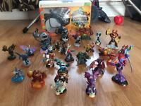 Skylanders for XBox 360 and 26 Swap Force figures