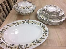 ** WEDGEWOOD** LARGE SELECTION ** DINNER PLATES**SERVING DISHES**