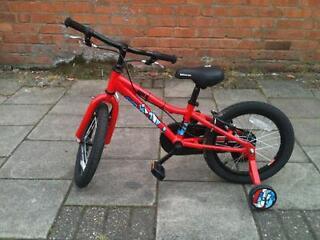 Saracen bolt kids 16 inch wheel lightweight aluminium bike Brand new save 50% off RRP!