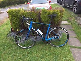 Cube road bike in blue £400