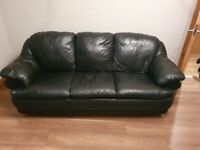 3+2 seater black leather suite