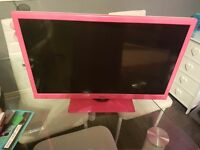 Logik lcd tv/dvd combi white and pink spares or repairs