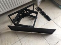 Tv wall mount. Extendable and adjustable swivels.Heavy duty and high quality