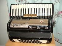 MARINUCCI 80 bass accordion