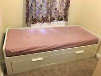 Single box room in Slough Farnham Road near LIDL