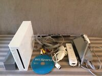 Nintendo Wii bundle, tested & fully working with wii sports game