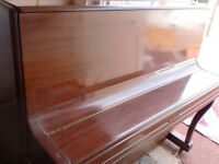 WELLMAR PIANO OVER STRUNG £450 CAN DELIVER