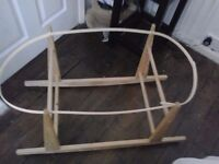 ROCKING MOSES BASKET STAND WOODEN