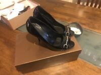 Gucci open toe shoes size 3