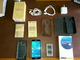 Samsung s5 boxed plus extras