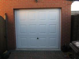 SINGLE GARAGE DOOR - EXCELLENT CONDITION