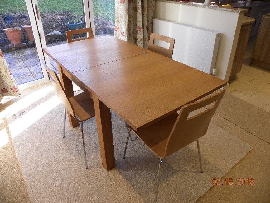 NEXT SEATER OAK EXTENDING SQUARE TO RECTANGLE TABLE WITH - Rectangle table with 4 chairs