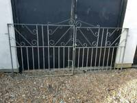Driveway gates brand new never used