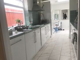 Detached House in immaculate condition IN WD17 !! Fess Appy!