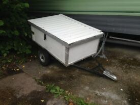 Very convenient little trailer, easy to handle with cover, water proof, good looking.