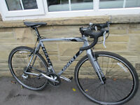 Giant TCX3 Cyclo Cross Bike. Entry level CX bike good for commuting, using on gravel and towpaths.