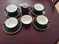 Coffee/tea set.