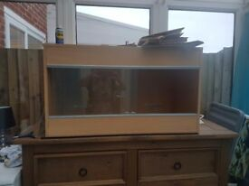 3ft wooden Vivarium with glass front