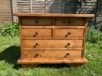 Lovely Laura Ashley Garrat Honey 6 Drawer Lamp / Side Table – Solid Wood – Immaculate Condition