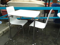 White breakfast table with 2 chairs (delivery available)