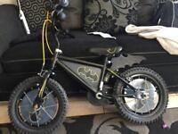 "14"" batman boys bike does have stabilisers"