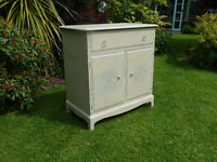 stag minstral shabby chic cocktail cabinet/sideboard