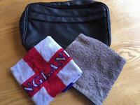 Beckham Wash bag & 2 flannels