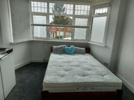 Lovely double room including bills with own kitchenette Single occupancy only