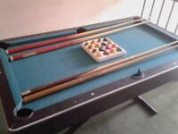 Pool table with balls & 4 cues