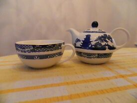 """Ringtons"" Willow Pattern, Tea for One Set"
