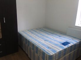 A MODERN STUDIO APARTMENT LOCATED WITHIN WALKING DISTANCE TO HOUNSLOW RAIL STN AND TOWN CENTRE