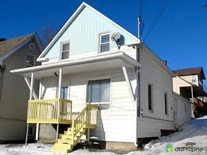 79 900$ - Maison à un étage et demi à vendre à East Angus