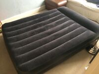 Comfort Quest inflatable double mattress with electric pump