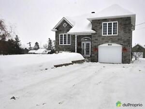 224 500$ - Maison à paliers multiples à vendre à Montebello